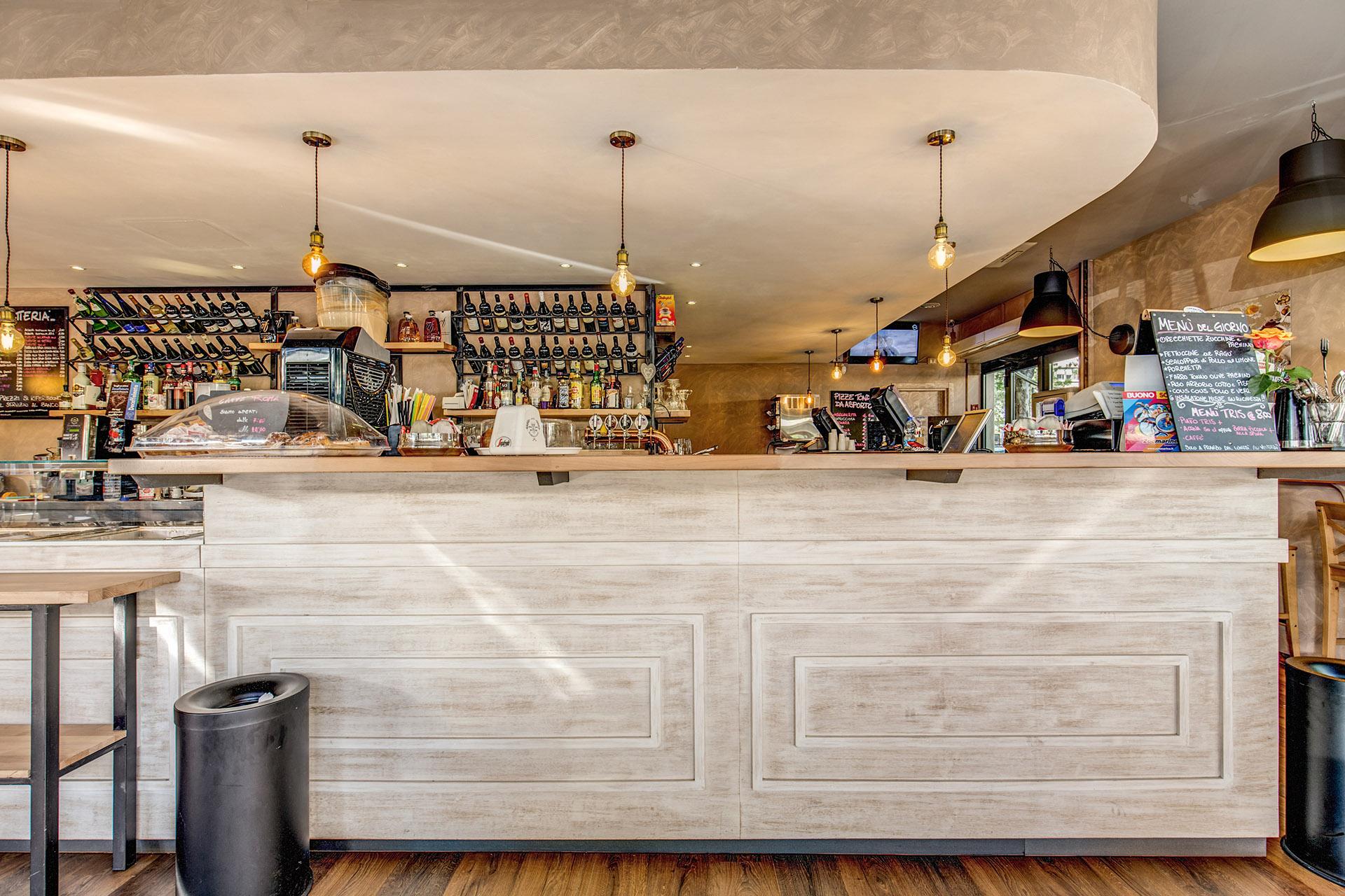 Arredamento per bar arredamenti usati for Arredamento bar roma